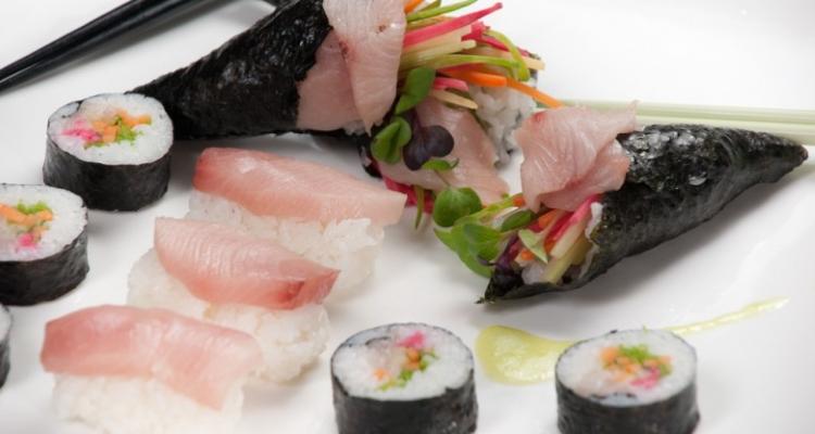 Hand-Rolled-Sushi 7 pratos internacionais de sucesso no Canadá 7 pratos internacionais de sucesso no Canadá Hand Rolled Sushi