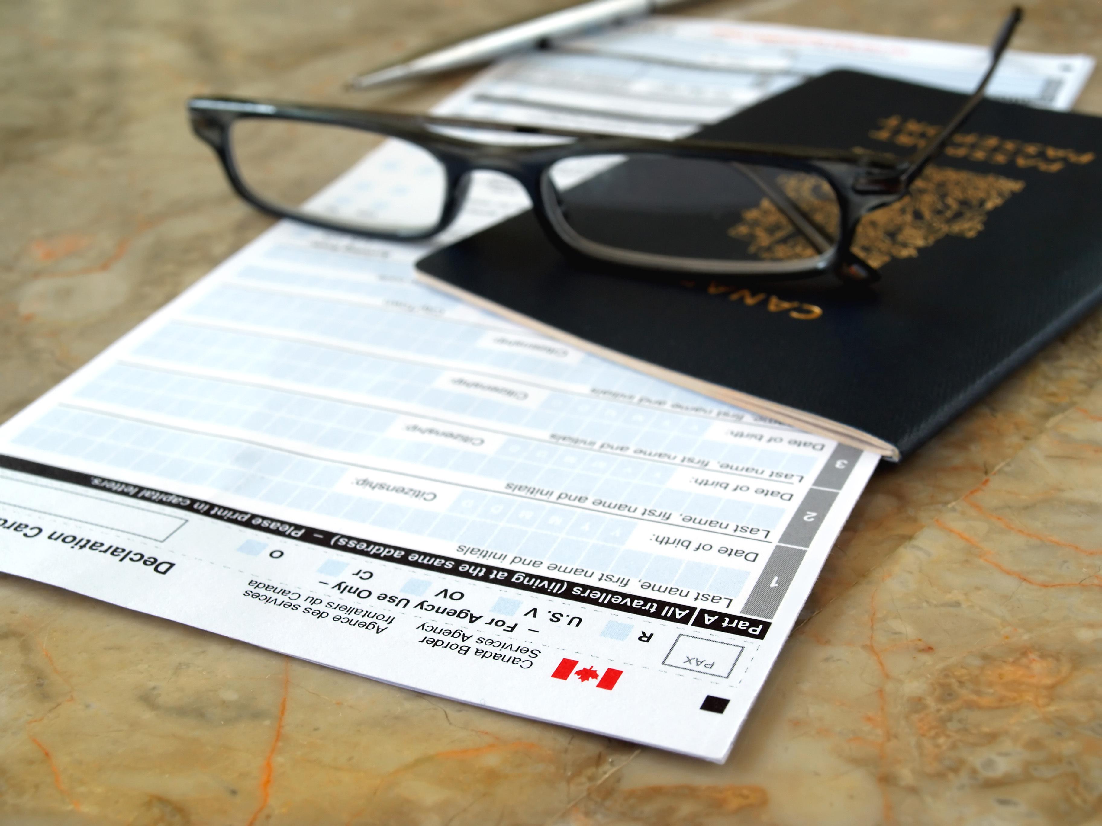 01  Programa que possibilita trazer pais ou avós para o Canadá, será reaberto em 2016 01