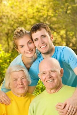 3025300_s  Programa que possibilita trazer pais ou avós para o Canadá, será reaberto em 2016 3025300 s1