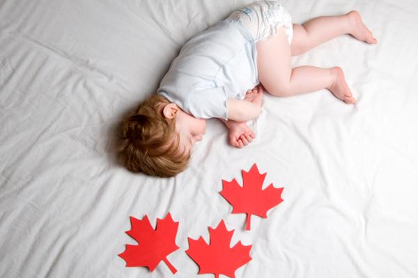 baby-boy-candian-flag  Filhos de Cidadãos Canadenses nascidos no exterior perdem a Cidadania do Canadá? baby boy candian flag