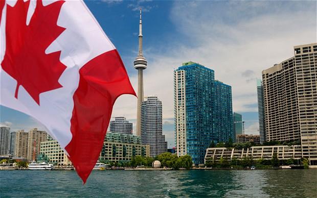 canadianflag07  Economia do Canadá cresce 2,3%  e país sai da recessão canadianflag07