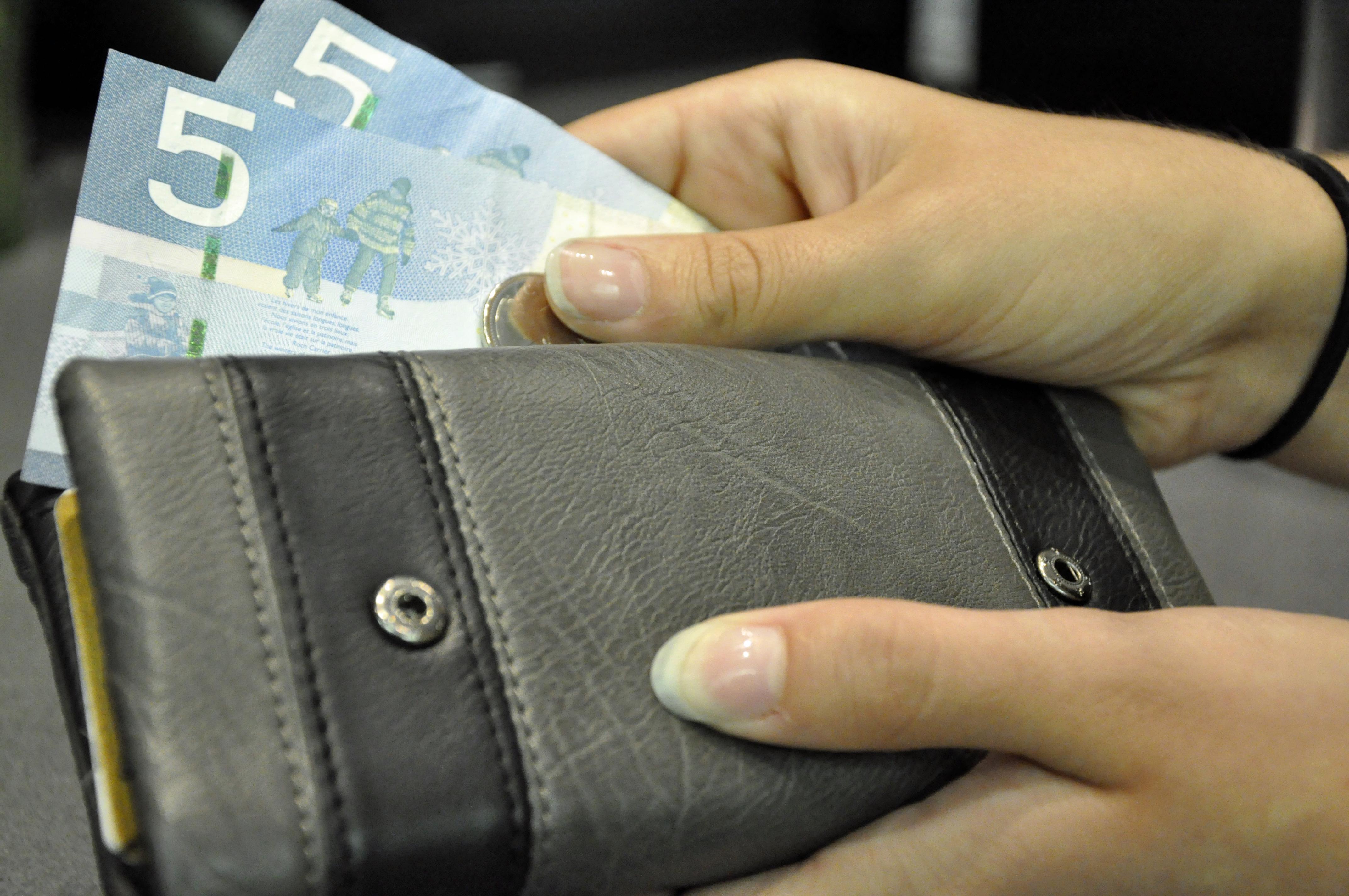 aa_19_ott_minimumwage_sean  Salário mínimo do Quebec sobe para $ 10,75 a partir de maio e divide opiniões aa 19 ott minimumwage sean
