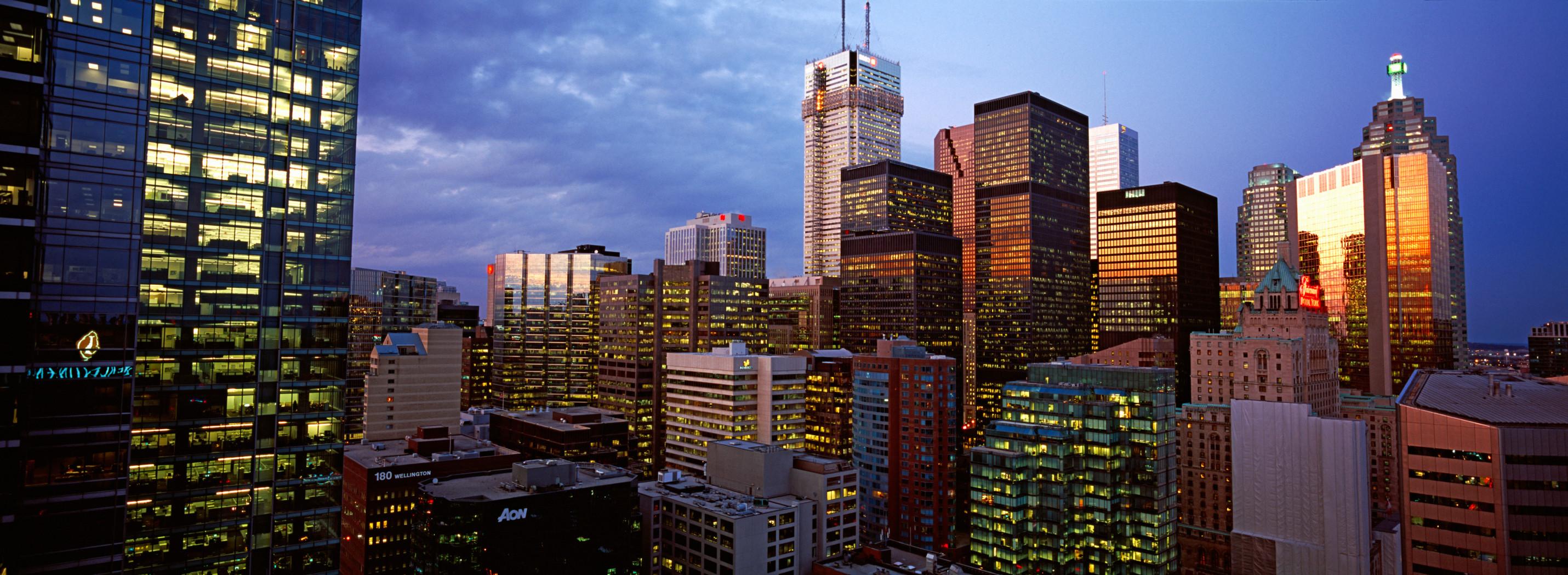 Skyscrapers in a city, Toronto, Ontario, Canada 2011  As 10 melhores cidades para se encontrar emprego no Canadá original 4
