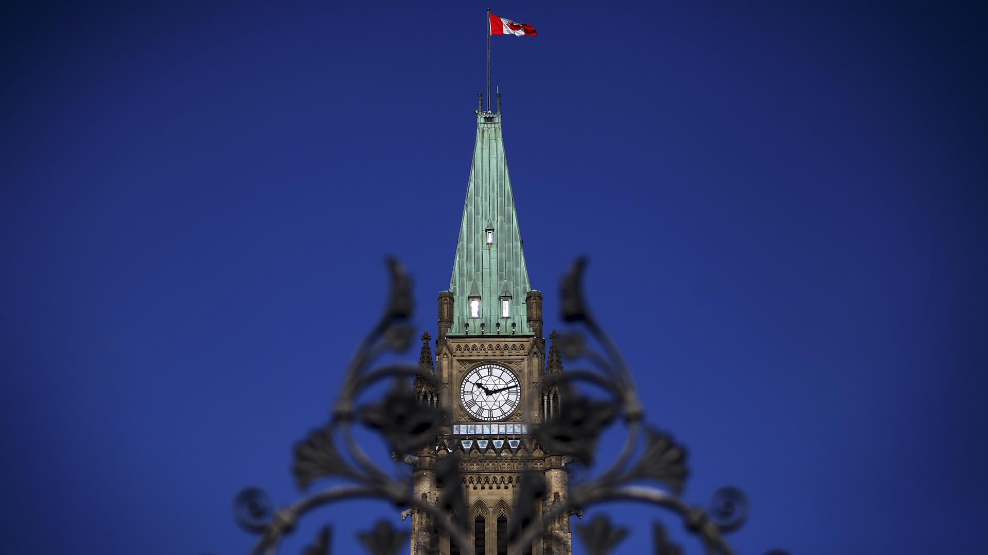 Orçamento Canadense 2016: Grande Déficit para investir na classe média e infra-estrutura 13639244001 4306685037001 FINAL FlagMaster 0 1